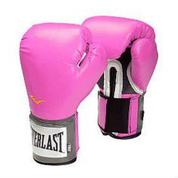 brug de lyserøde boksehandsker som kvinde