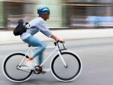 Pas på hovedet, når du cykler