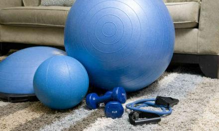 Tips til at holde sundheden gennem sommeren med hjemmetræning