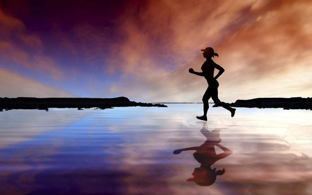 Hvor meget vand når du træner? Forstå væskeindtag og udskillelse