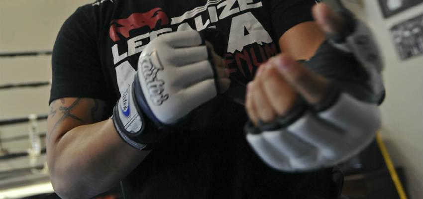 brug de rigtige boksehandsker til sandsæk træning