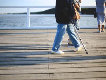 Køb robuste krykker til ældre