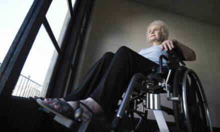 Kørestolsramper (Guide) – Ramper og køreskinner til nemmere transport