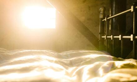Sengeklodser / møbelforhøjer – Det smarte hjælpemiddel til ældre